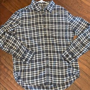 American Eagle Soft button down plaid